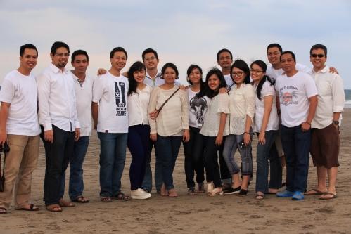 family portrait @ Pantai Jimbaran